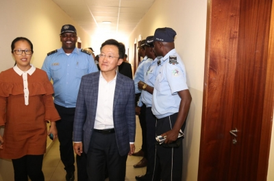 Pan Jingjian, Vice-President of Yewhing Group and Secretary General of Security Protection Association, visited police stations